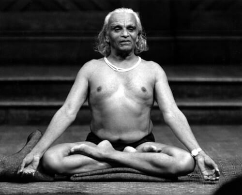 B.K.S. Iyengar - twórca jogi                                      iyengarowskiej